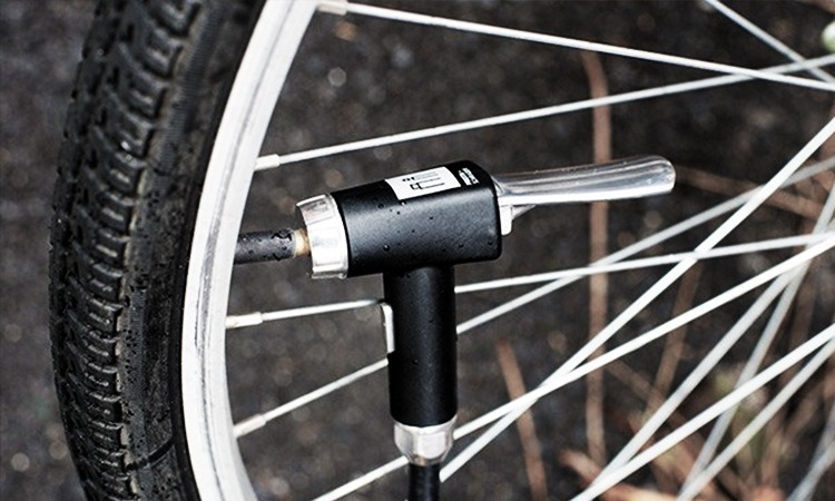 a2bde16474cc Top 10 Bicycle Tire Pumps in 2019 - The Genius Review