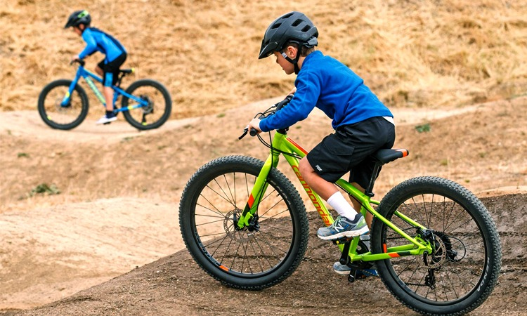 Best Cycling Shoes for Kids in 2018