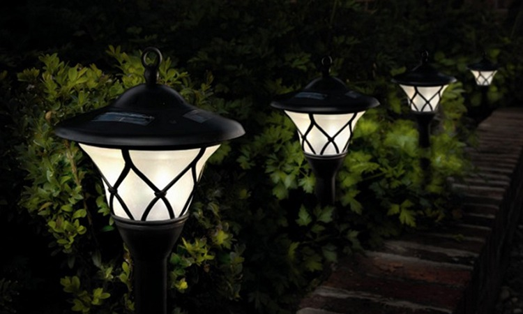 Best Outdoor Solar Path Lights In 2019 The Genius Review