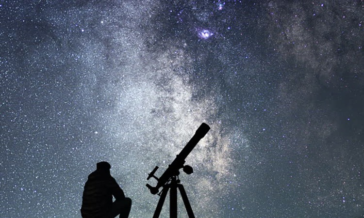 Best Telescope under 300 For newbie's and professional astronomers