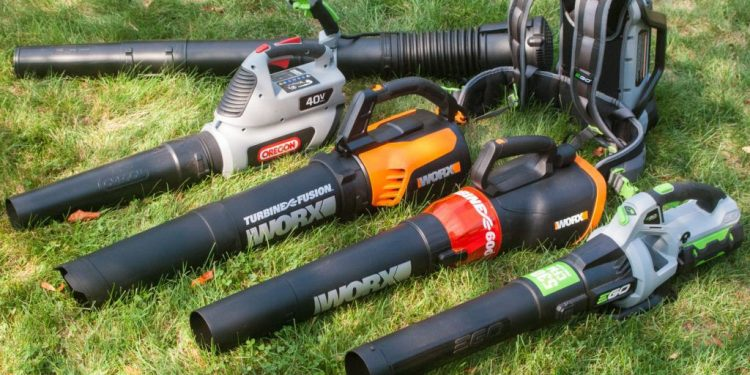 What Should I Look For When Buying a Cordless Leaf Blower?