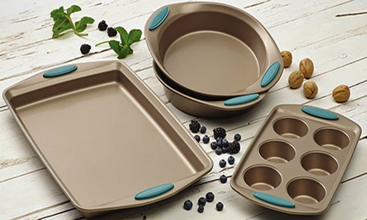 Top 10 Best Bakeware Sets in 2019