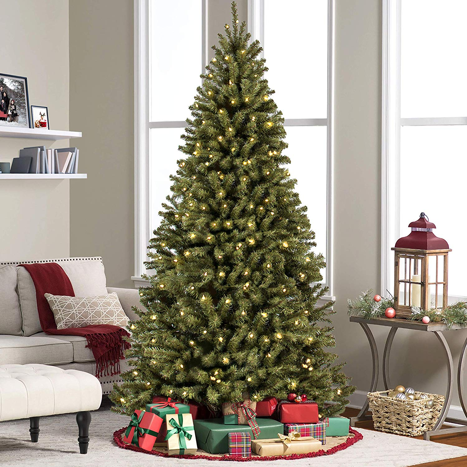 Pre-Lit Spruce Artificial Christmas Tree