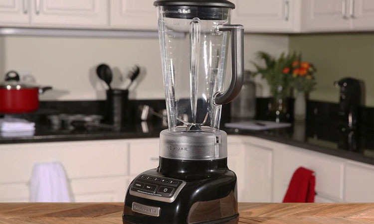 Top 10 Best Blenders to Mix up Your Routine in 2018