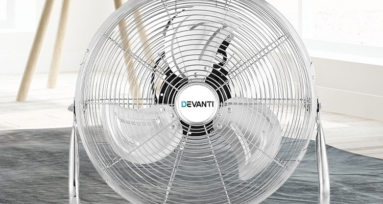 fans have 3 blades