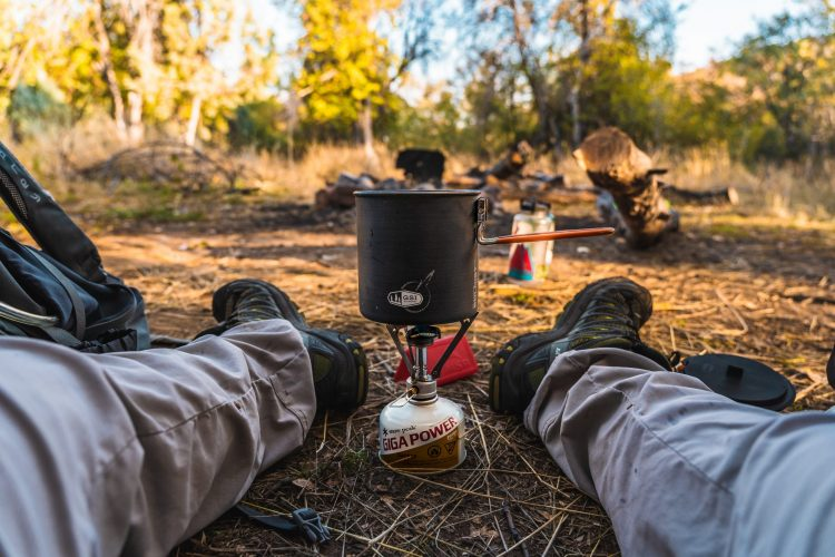 What size Dutch oven should You Buy for Camping?