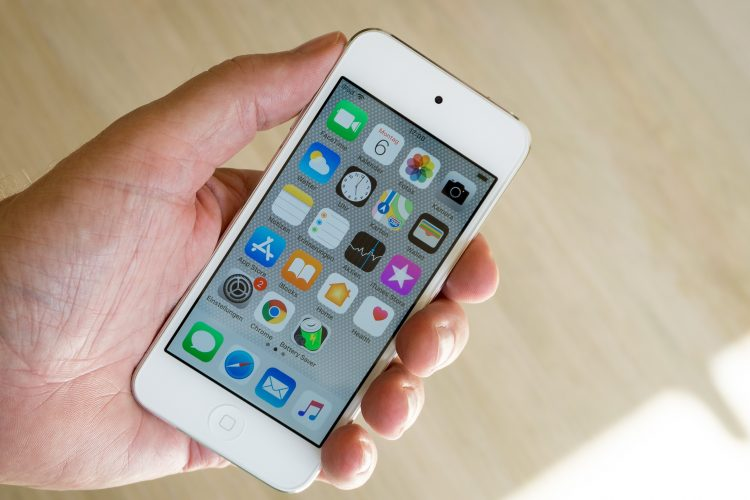 Is it true that Apple is slowing down old iPhones?