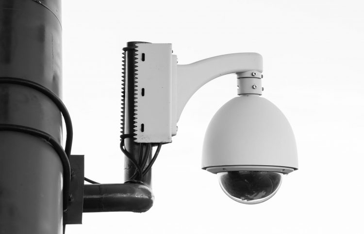Pros & Cons of installing a security camera at home