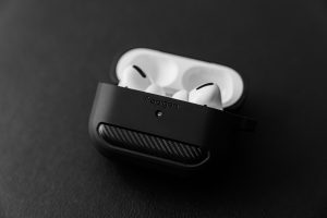 tips to clean AirPods