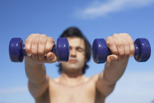 What to avoid before raising dumbbells?