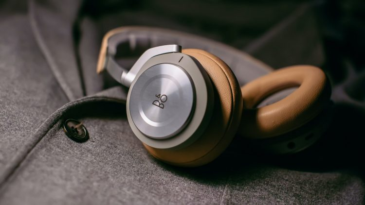 How to Buy the Right Headphones