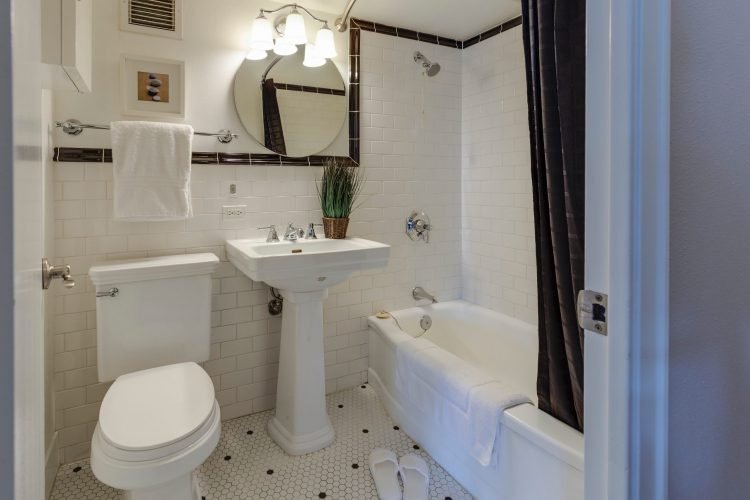 How much does it cost to add a bathroom in UK?